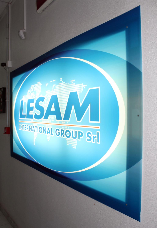 LESAM INTERNATIONAL insegna luminosa interna
